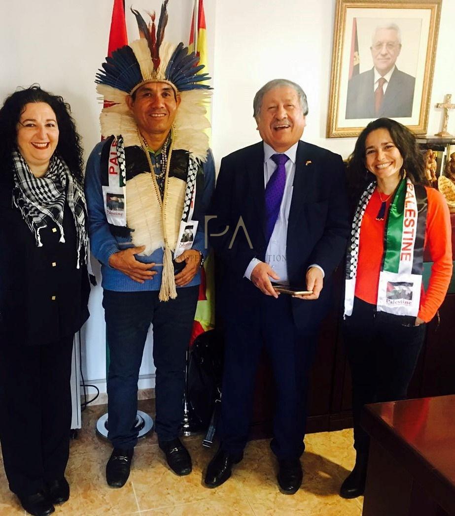 Conferencia sobre Amazonia con el líder indígena Ladio Veron.